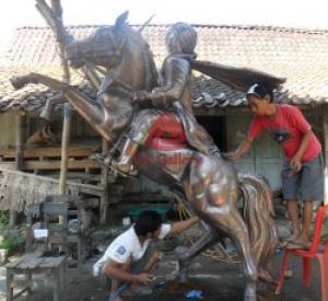 Patung-diponegoro-tembaga-01